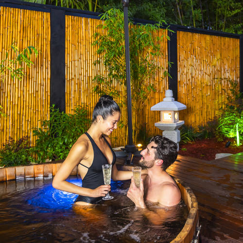 Hot Mineral Springs Bathing For Couples